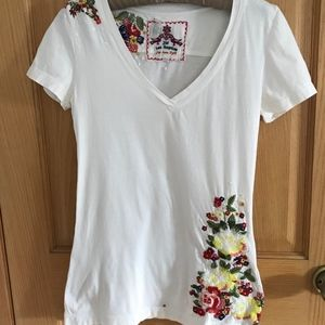 Johnny Was embroidered floral V-neck T-shirt S